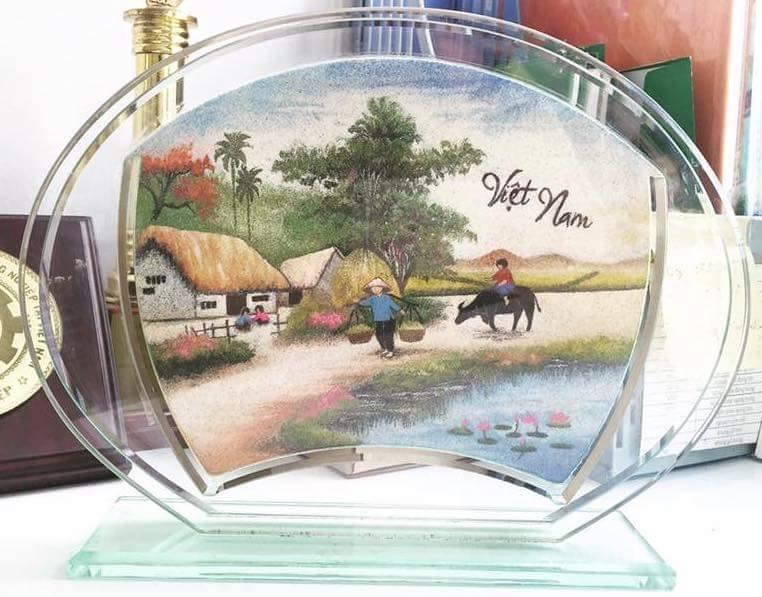 Bức tranh cát nghệ thuật miêu tả lại cảnh đồng quê Việt Nam